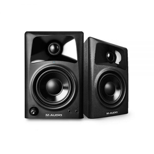 M-Audio Studiophile AV 32 Angle