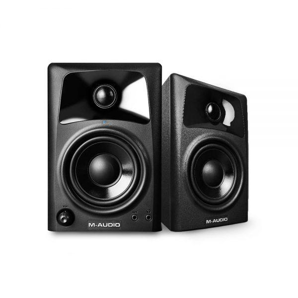 M-Audio Studiophile AV 42 Angle