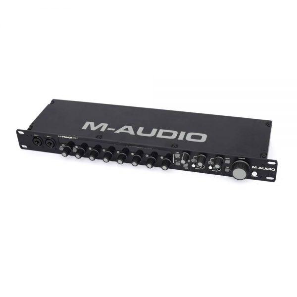 M-audio M-track Eight Angle