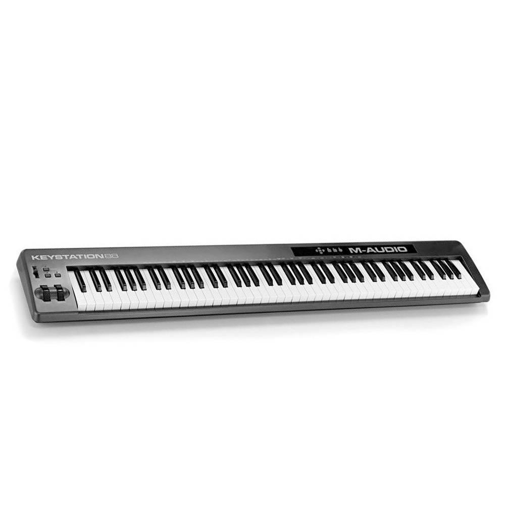 M-Audio Keystation 88 II Angle