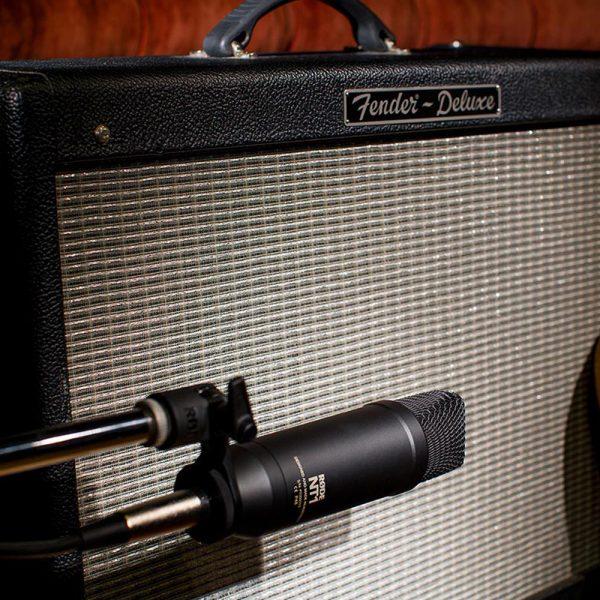 RODE NT1-Kit On Guitar AMP
