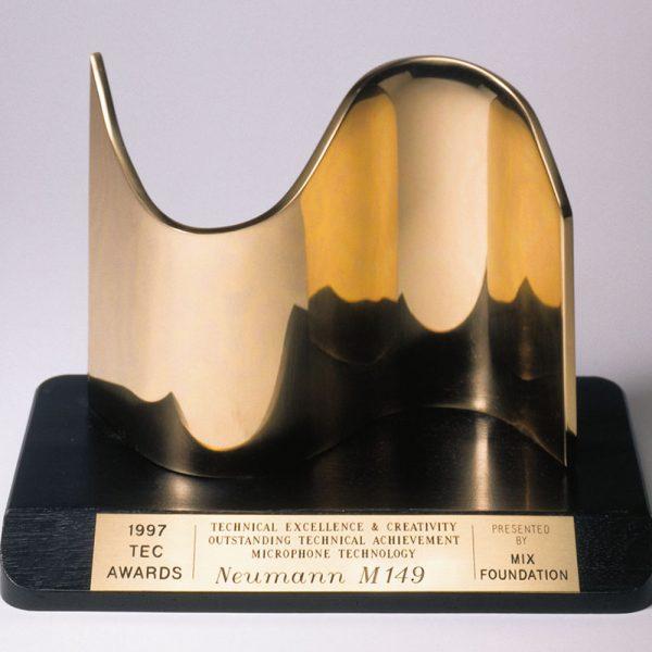 Neumann M 149 Tube TEC Award