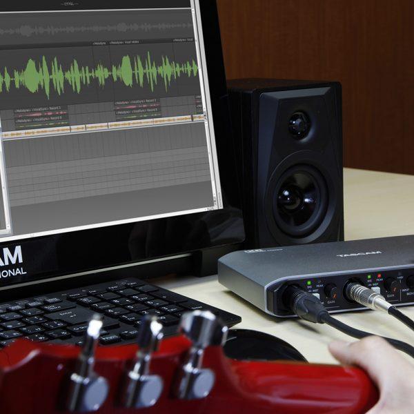 TASCAM IXR Guitar Recording